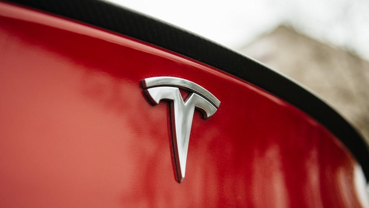 Tesla registra risultati da record nel secondo trimestre del 2021 thumbnail