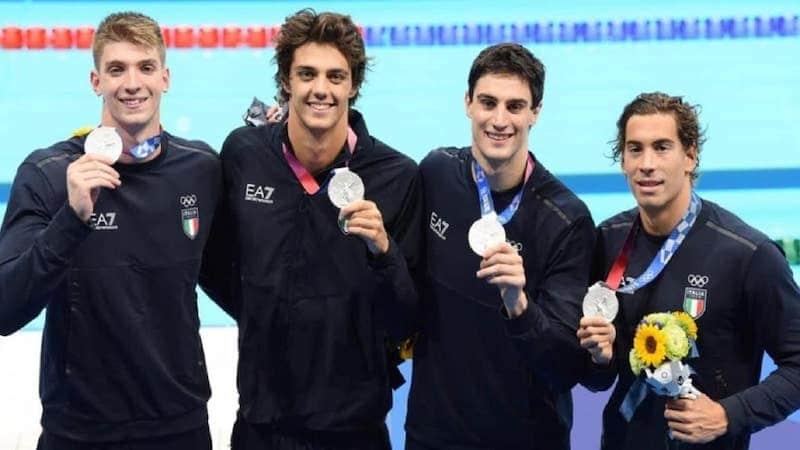 tokyo medaglia italia nuoto 4x100 stile libero