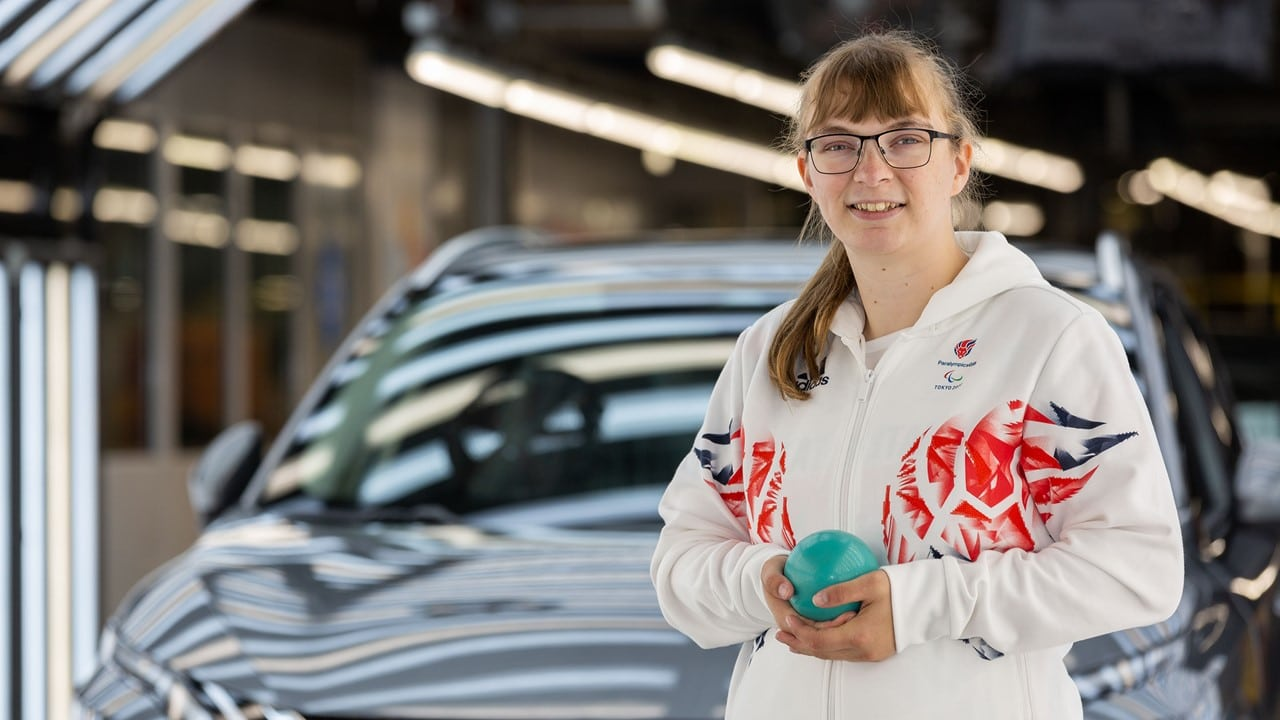 Anna Nicholson, ingegnere di Nissan, parteciperà alle Paralimpiadi di Tokyo thumbnail