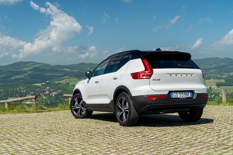 Auto-plug-in-piu-vendute-Volvo-XC40-posteriore