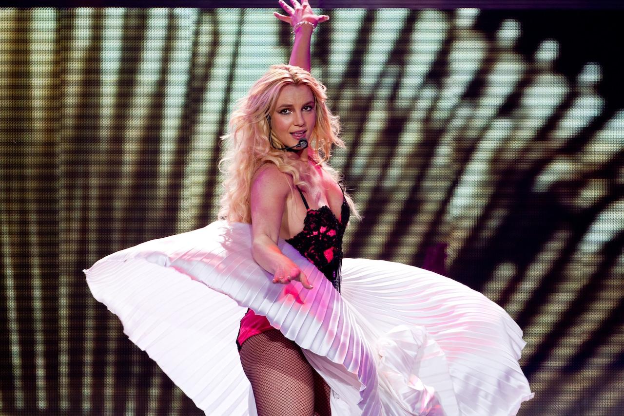 Britney Spears è libera: il padre rinuncia alla custodia legale thumbnail