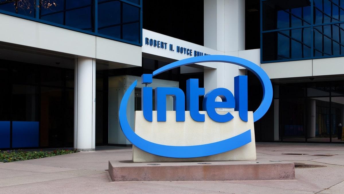 Due importanti novità per Intel: il chip Loihi 2 e il framework Lava thumbnail