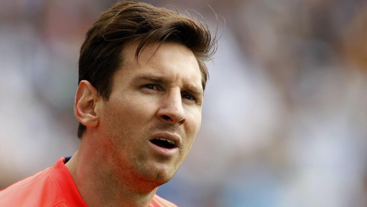 Il (finto) debutto di Messi col PSG: la bufala tech della settimana thumbnail