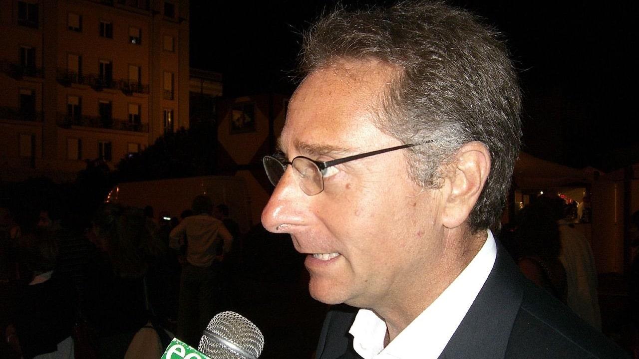 Paolo Bonolis ricoverato dopo il vaccino? La bufala tech della settimana thumbnail