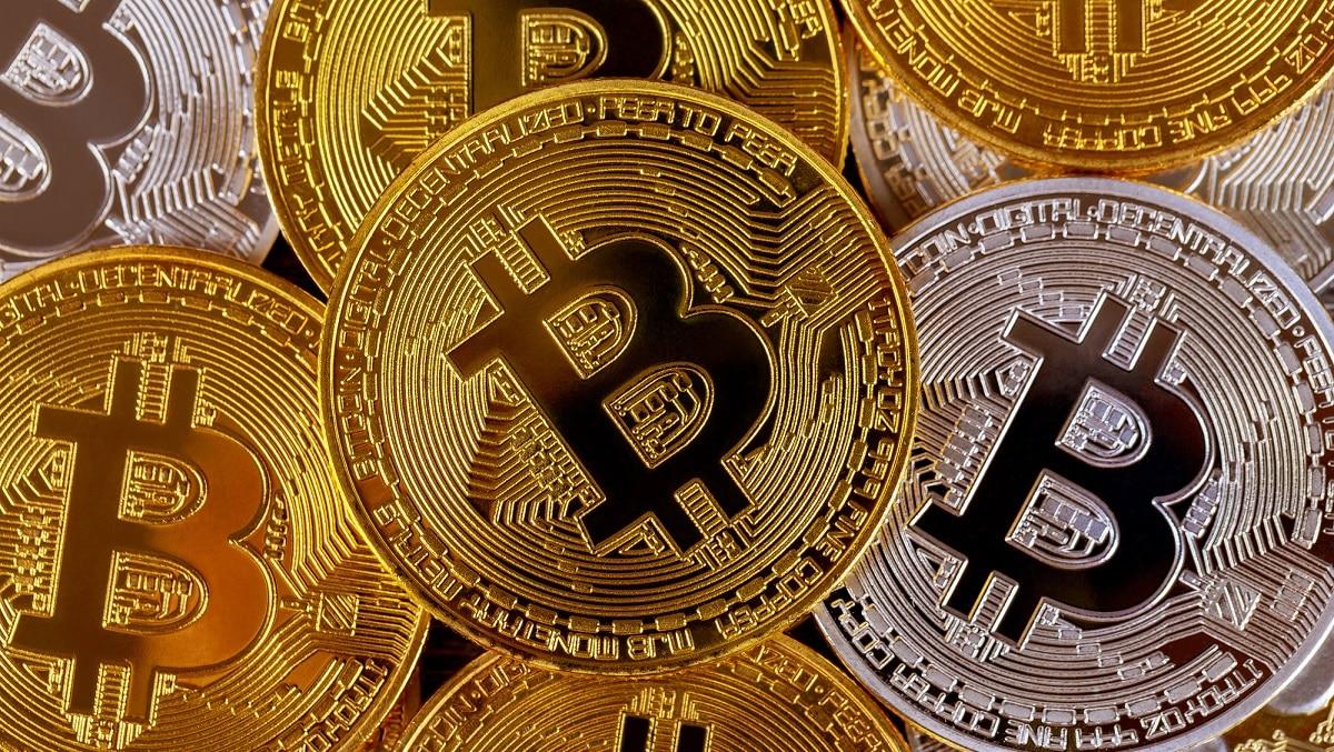 Tutti pazzi per Bitcoin: il 28% degli italiani crede nelle criptovalute thumbnail