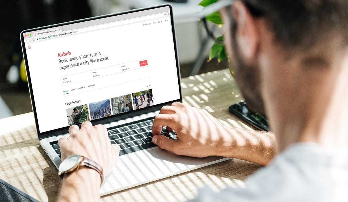 Airbnb aggiorna i termini di servizio per sostenere le vittime di molestie thumbnail