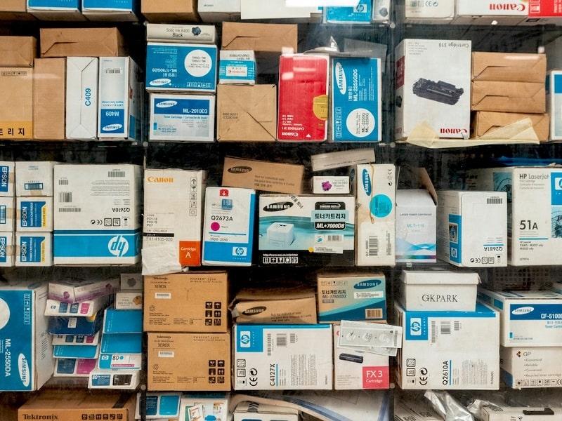 amazon getta milioni di prodotti invenduti-min