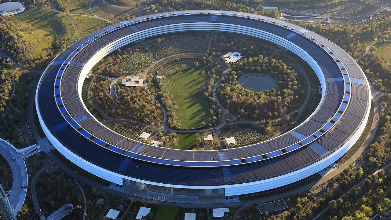 Apple: lo smart working continua (almeno) fino al 2022 thumbnail
