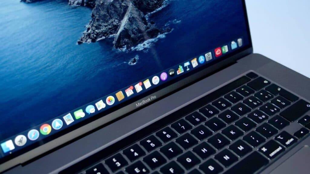 Apple: MacBook Pro 14 e 16 avranno le stesse prestazioni?