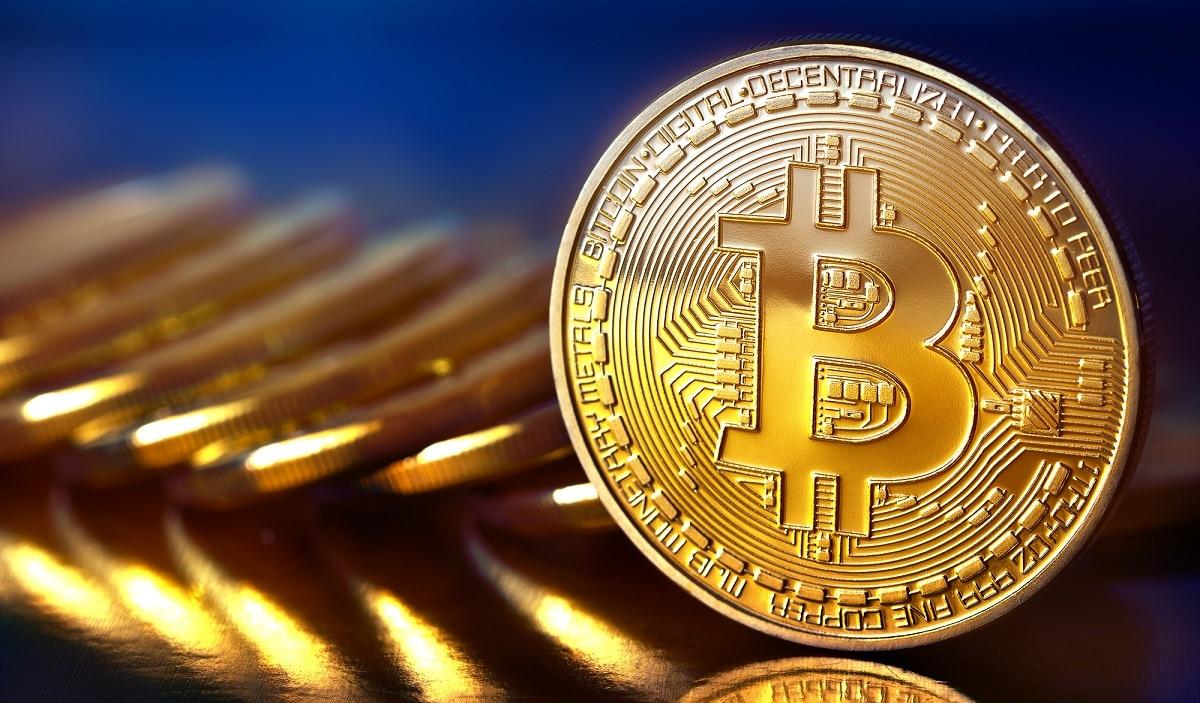 Crollo improvviso di Bitcoin: ma gli analisti frenano gli allarmismi thumbnail