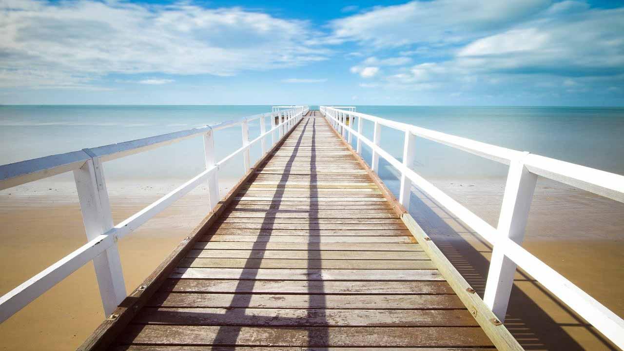 Vacanze al mare e bellezza: i consigli di MioDottore per trasformare la spiaggia in una beauty farm thumbnail