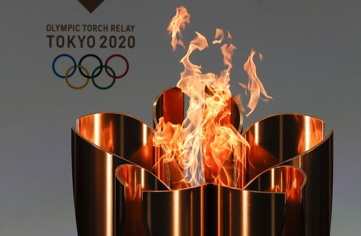 fiamma olimpica tokyo 2020 cerimonia di chiusura-min