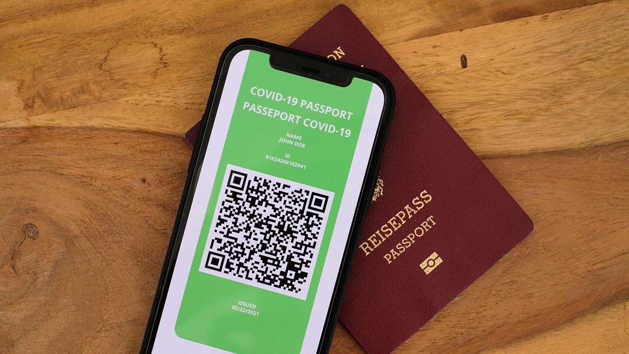 Green Pass: i titolari dei locali non possono controllare l'identità dei clienti thumbnail