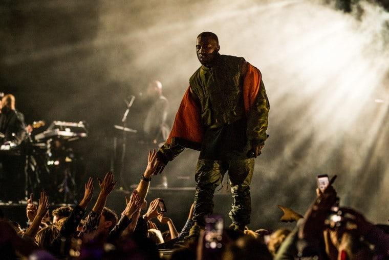 Kanye West: l'album Donda è stato pubblicato senza il suo consenso ma è già record thumbnail