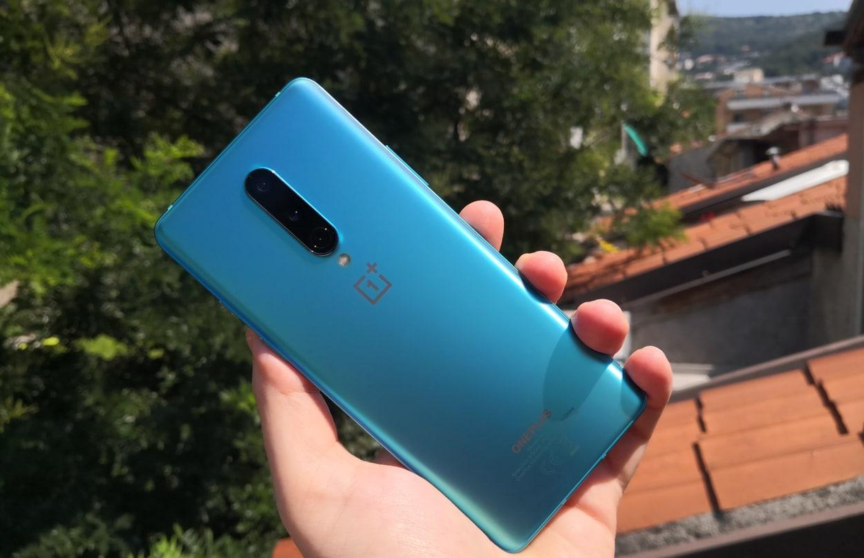 Nuovo aggiornamento per la gamma OnePlus 8: ecco le novità thumbnail