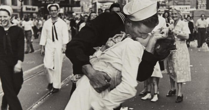 fotografia famosa bacio