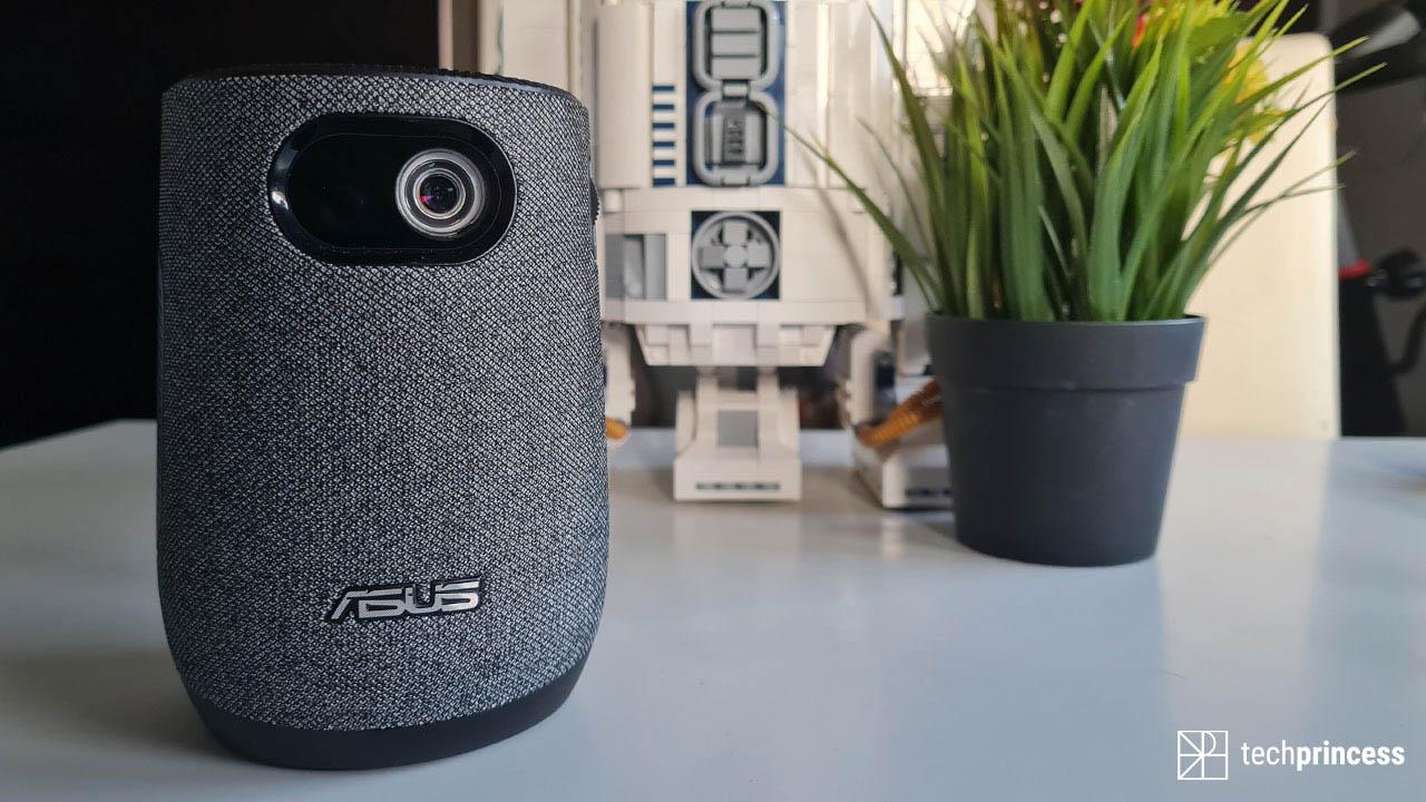 La recensione di ASUS ZenBeam Latte L1: originale, portatile ma imperfetto thumbnail