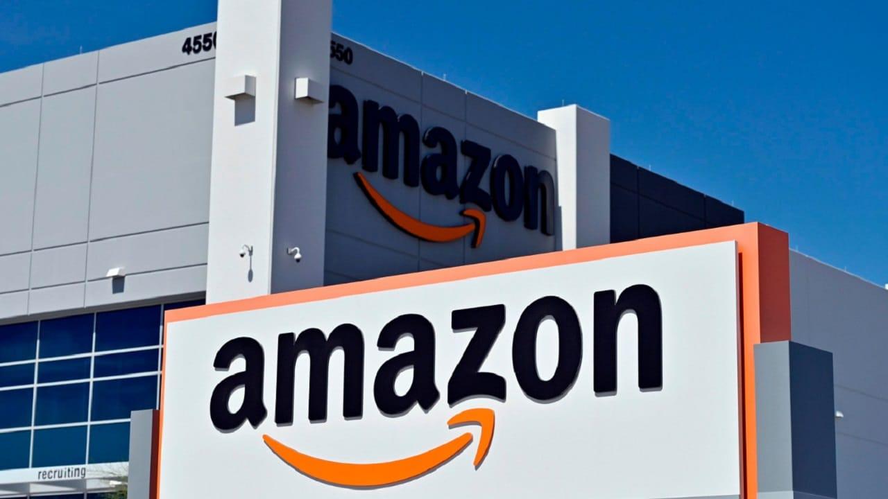 Amazon aumenterà il salario d'ingresso della rete logistica thumbnail