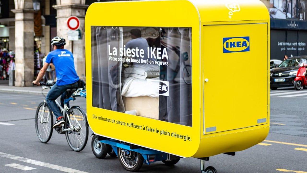 Le capsule di Ikea che permettono di riposarsi per le vie di Parigi thumbnail