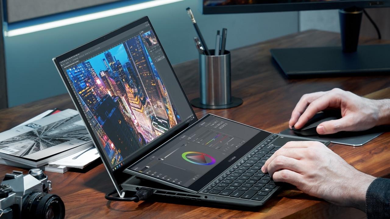 La recensione di Asus ZenBook Duo Pro 15: il nuovo laptop a doppio display thumbnail