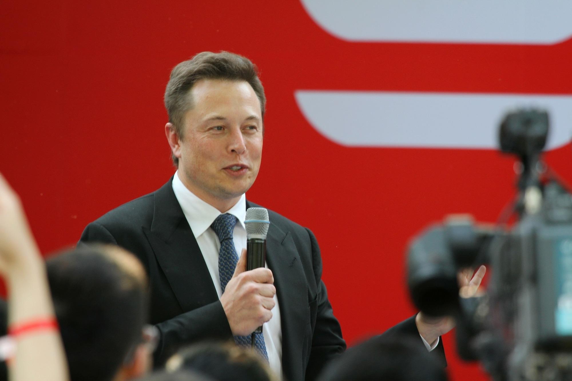 Elon Musk critico sulla regolamentazione delle criptovalute thumbnail