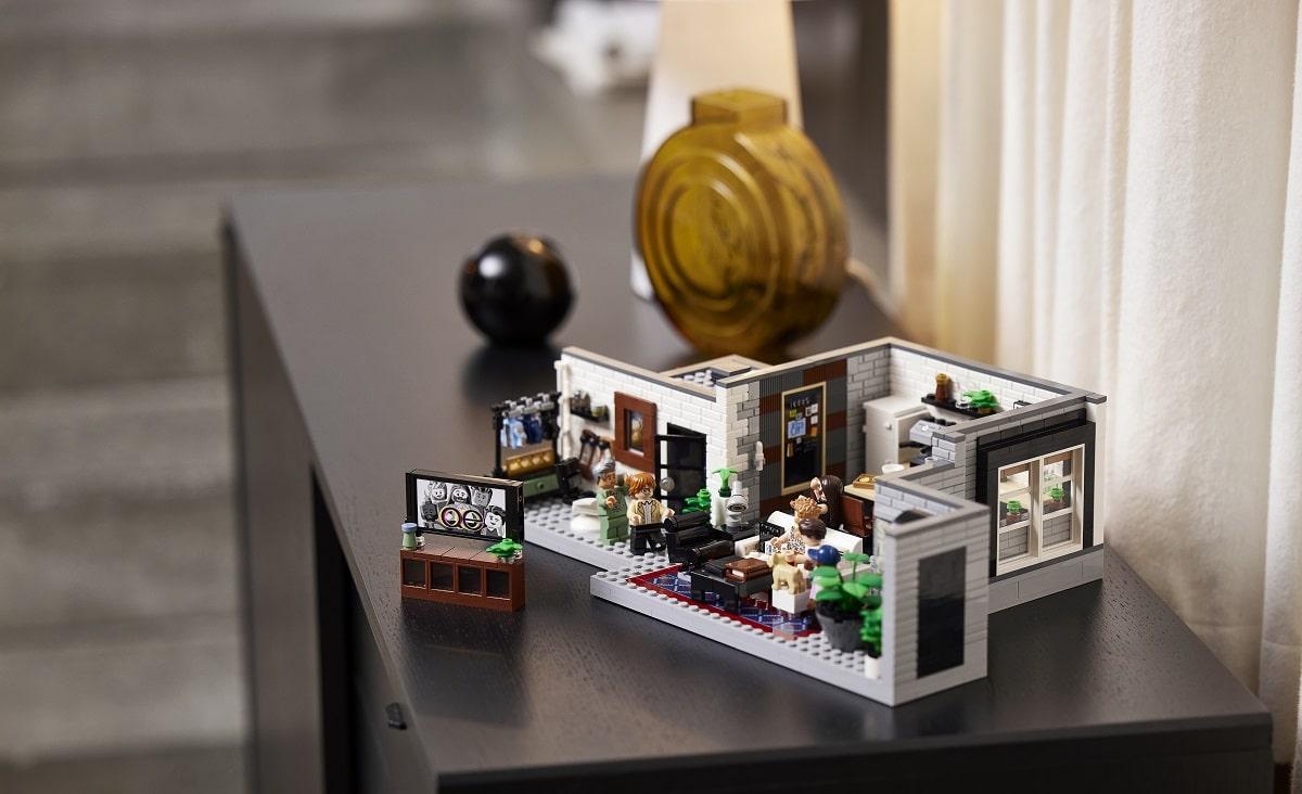 Svelato il nuovo set LEGO Queer Eye – Loft dei Fab Five thumbnail