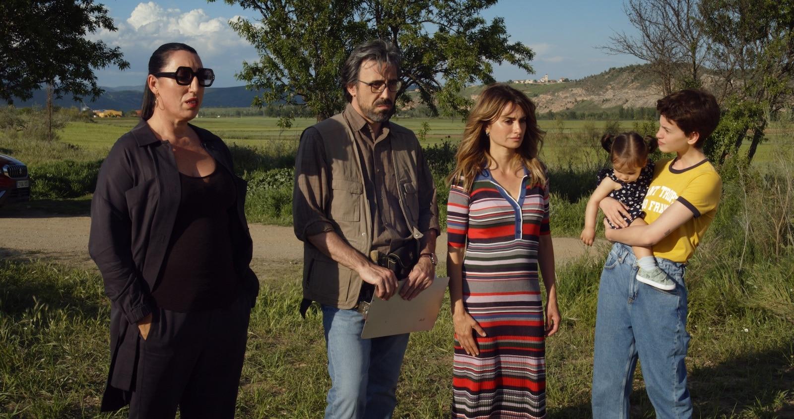 Madres paralelas: com'è il film di Pedro Almodóvar thumbnail