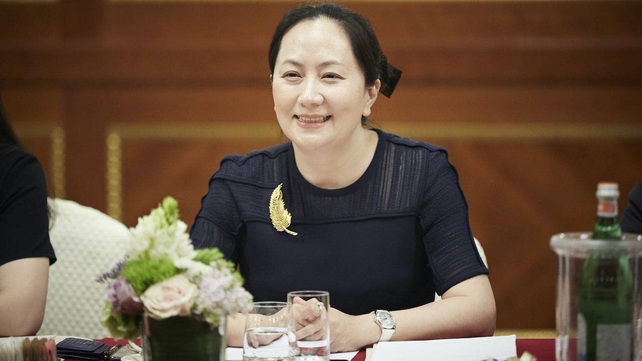 Meng Wanzhou, CFO di Huawei, rilasciata dopo tre anni: è tornata in Cina thumbnail