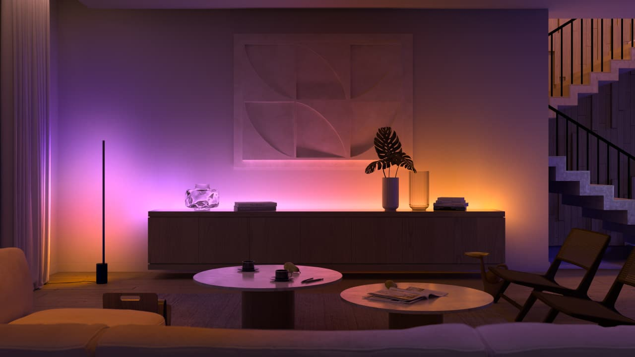 I nuovi prodotti di Philips Hue fondono insieme luce, colori e suoni thumbnail