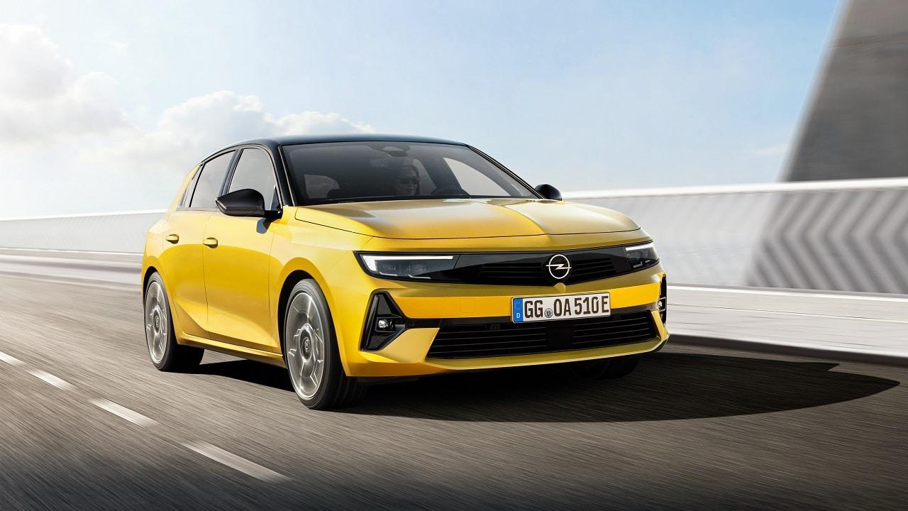 Opel Astra 2021, originale e completa: finalmente una temibile rivale per VW Golf? L'analisi completa thumbnail