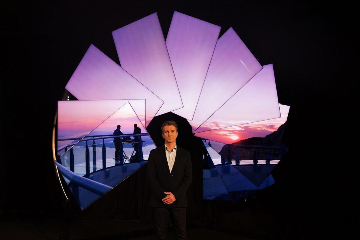 Samsung e l'artista Michael Murphy insieme per un'installazione con Neo QLED thumbnail