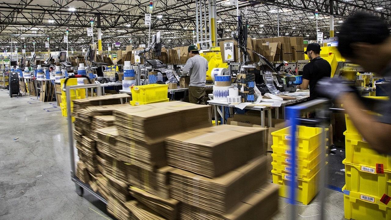 Amazon, nuovo centro a Chieti: mille assunzioni in tre anni thumbnail