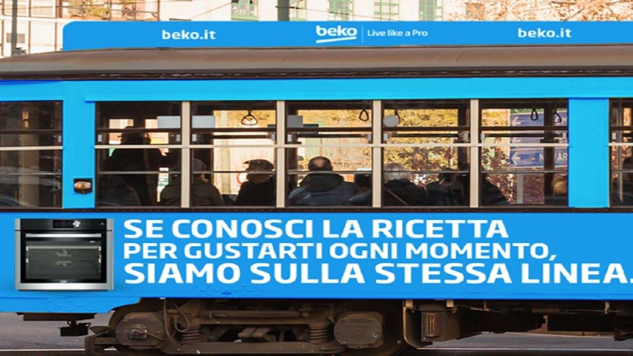 Beko colora i tram di blu per il Salone del Mobile di Milano thumbnail