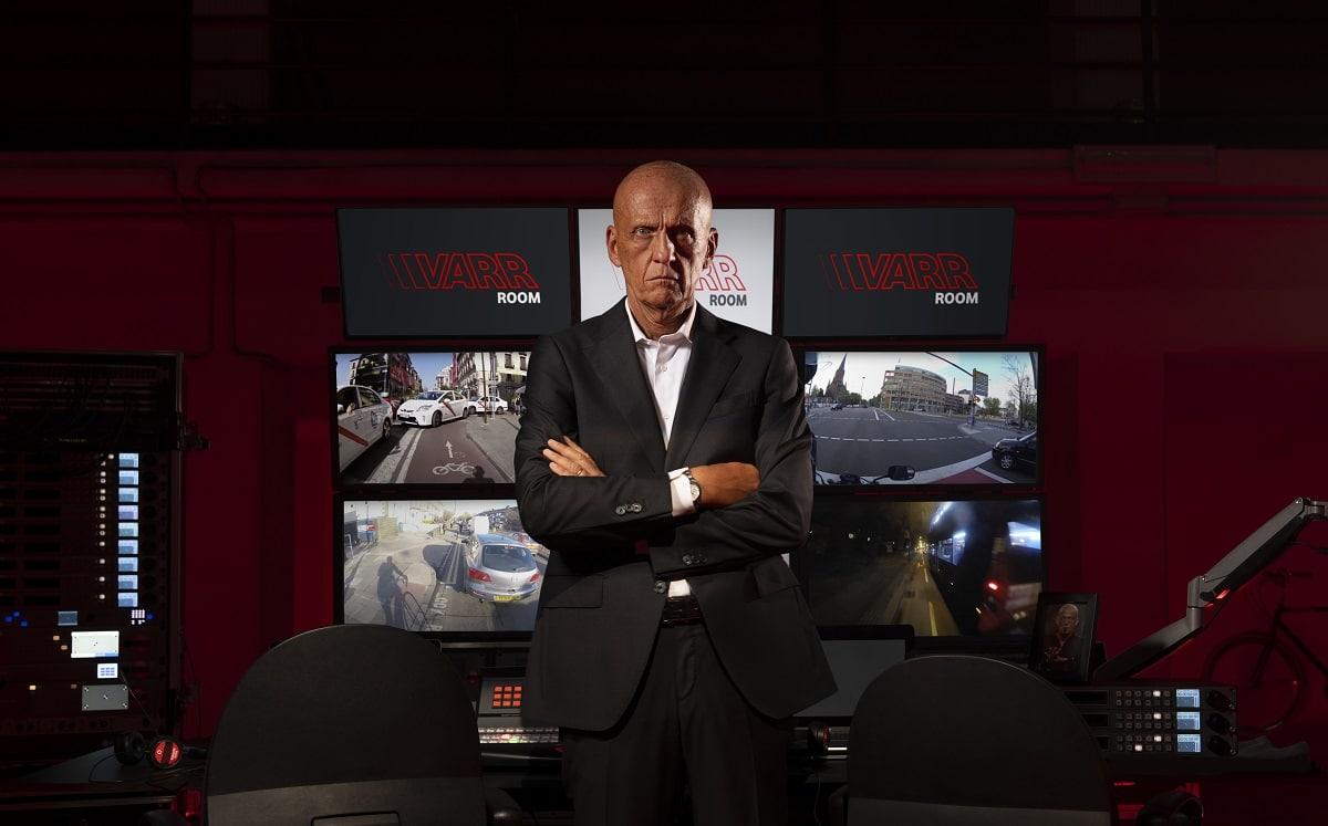 Pierluigi Collina è il protagonista della campagna Vodafone sulla sicurezza stradale thumbnail