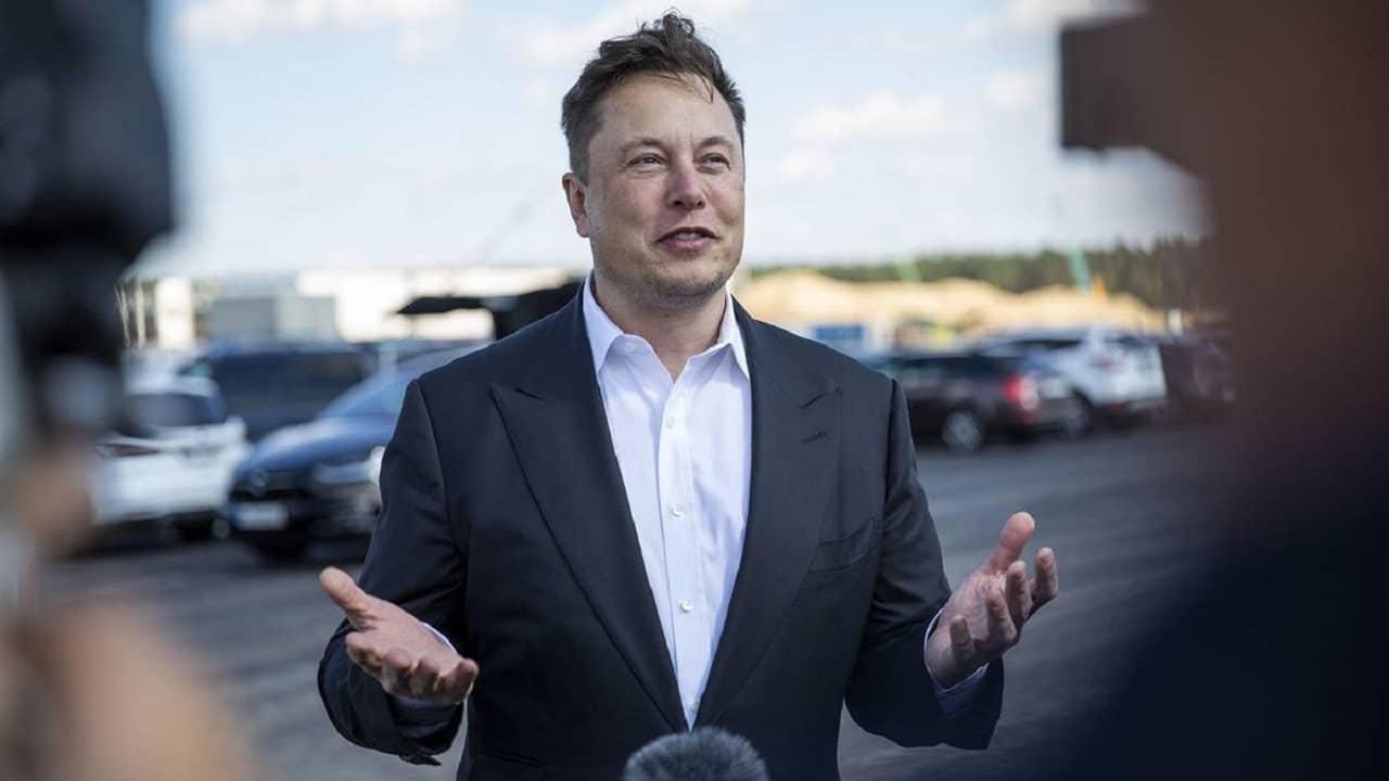 Elon Musk torna a essere l'uomo più ricco al mondo thumbnail