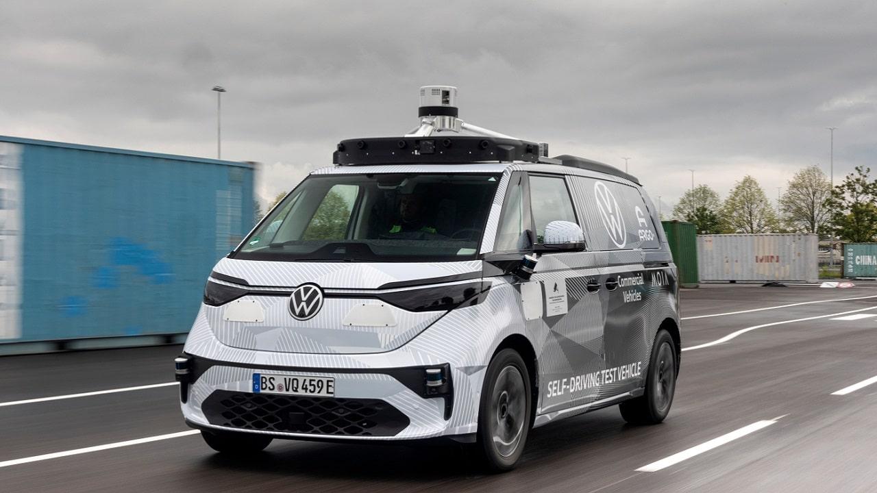 ID Buzz AD, l'auto a guida autonoma di Wolkswagen thumbnail