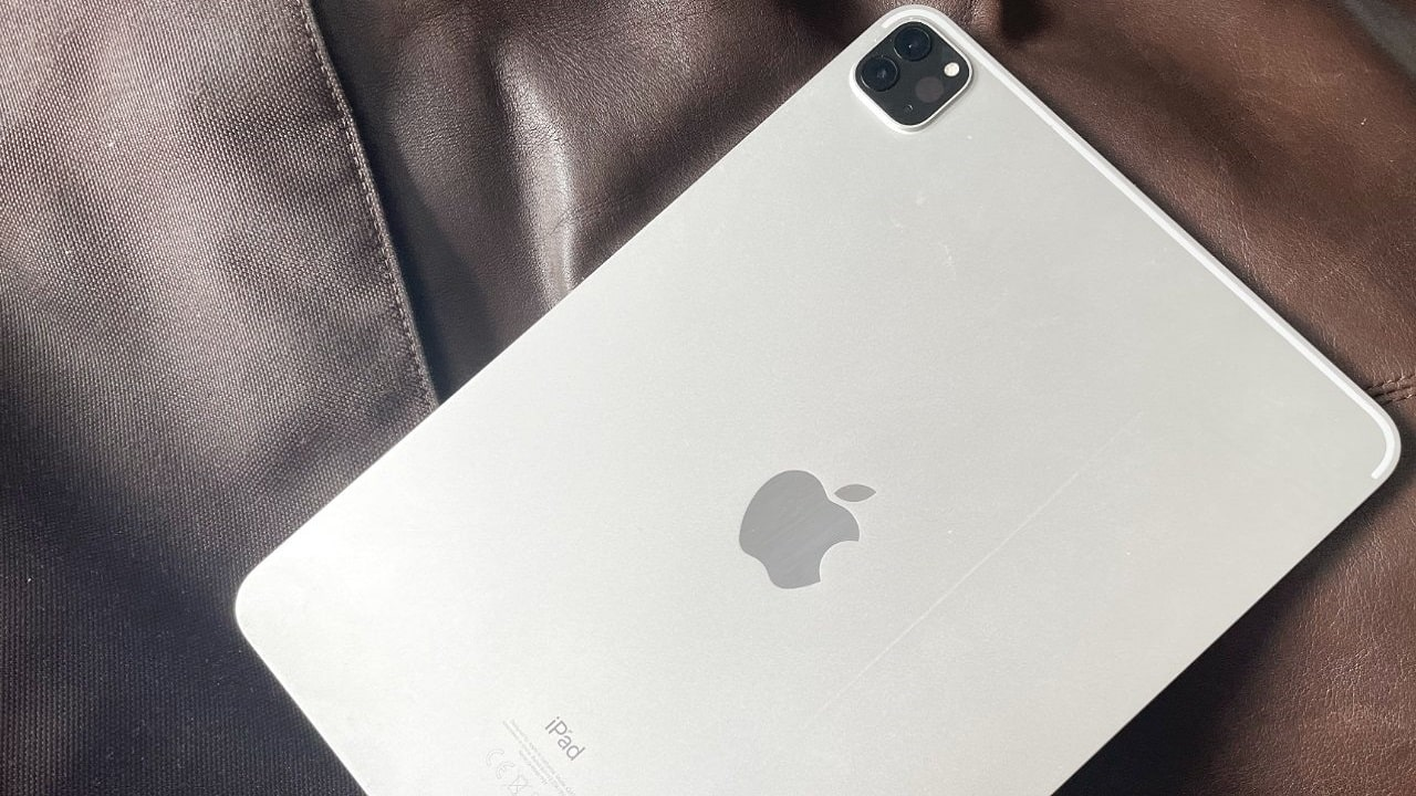 La fotocamera e il logo di iPad Pro cambiano orientamento thumbnail