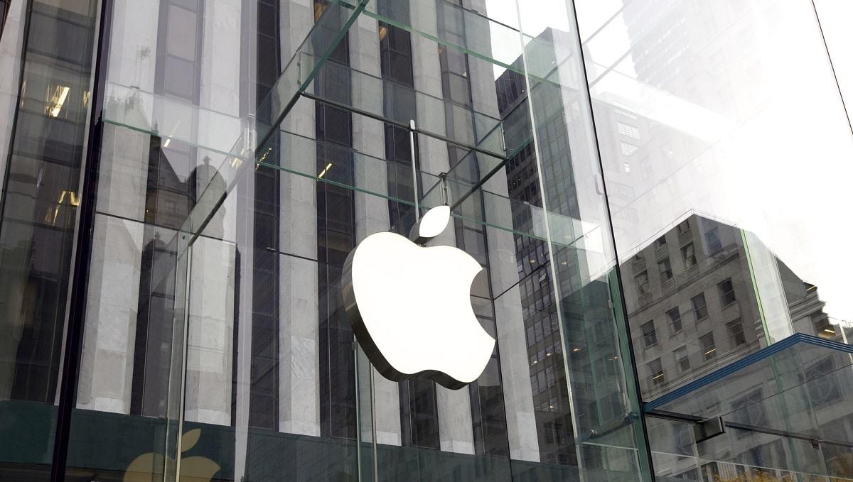 Apple lancerà due nuovi iPhone con display pieghevole thumbnail