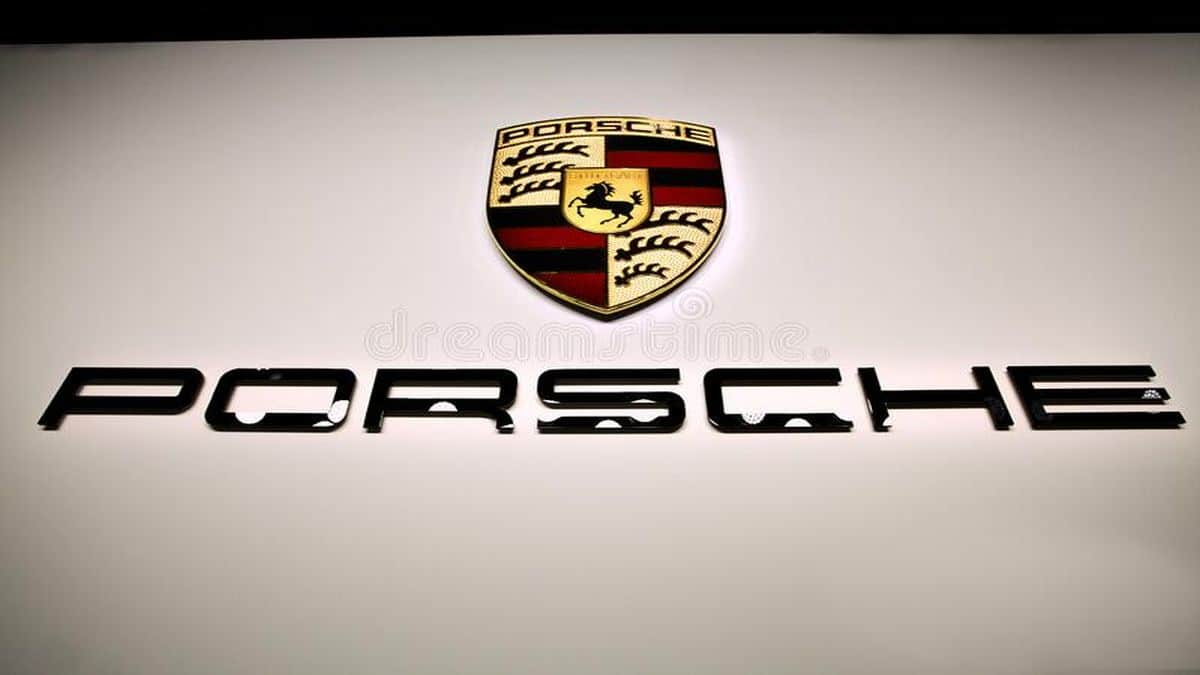 """Porsche ha realizzato un """"eFuel"""" che potrebbe essere utilizzato in F1 thumbnail"""