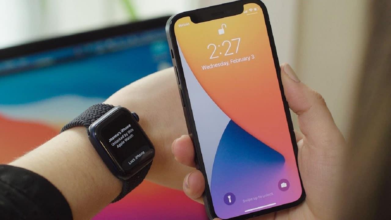 Sblocco con Apple Watch, in arrivo un fix per iPhone 13 thumbnail