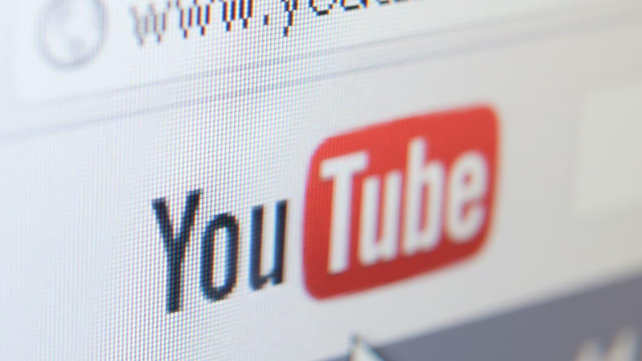 YouTube contro le fake news, bloccati tutti i contenuti no vax thumbnail