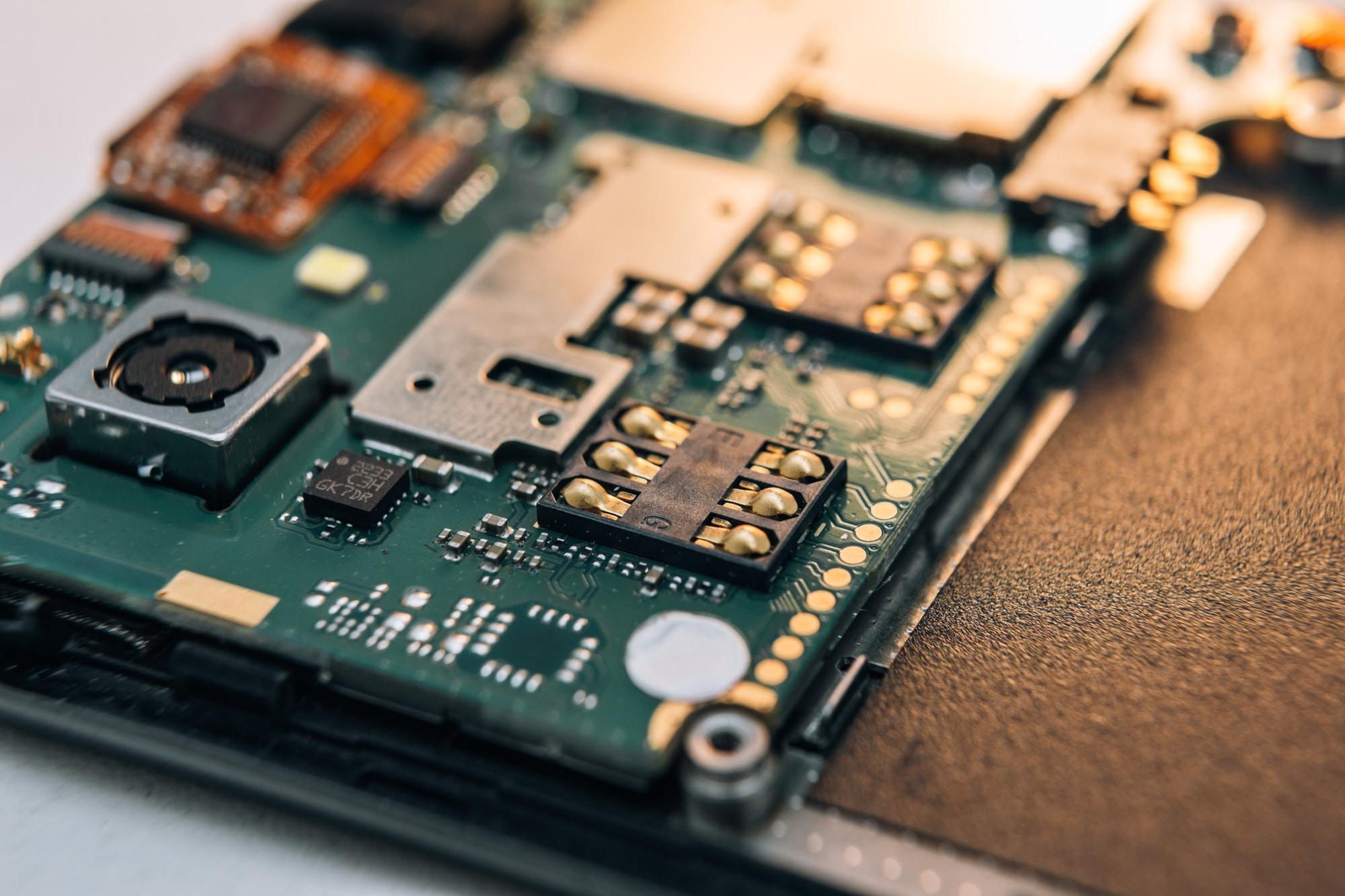 Smartphone sempre più afflitti dalla crisi dei chip: meno 50 milioni nel 2021 thumbnail