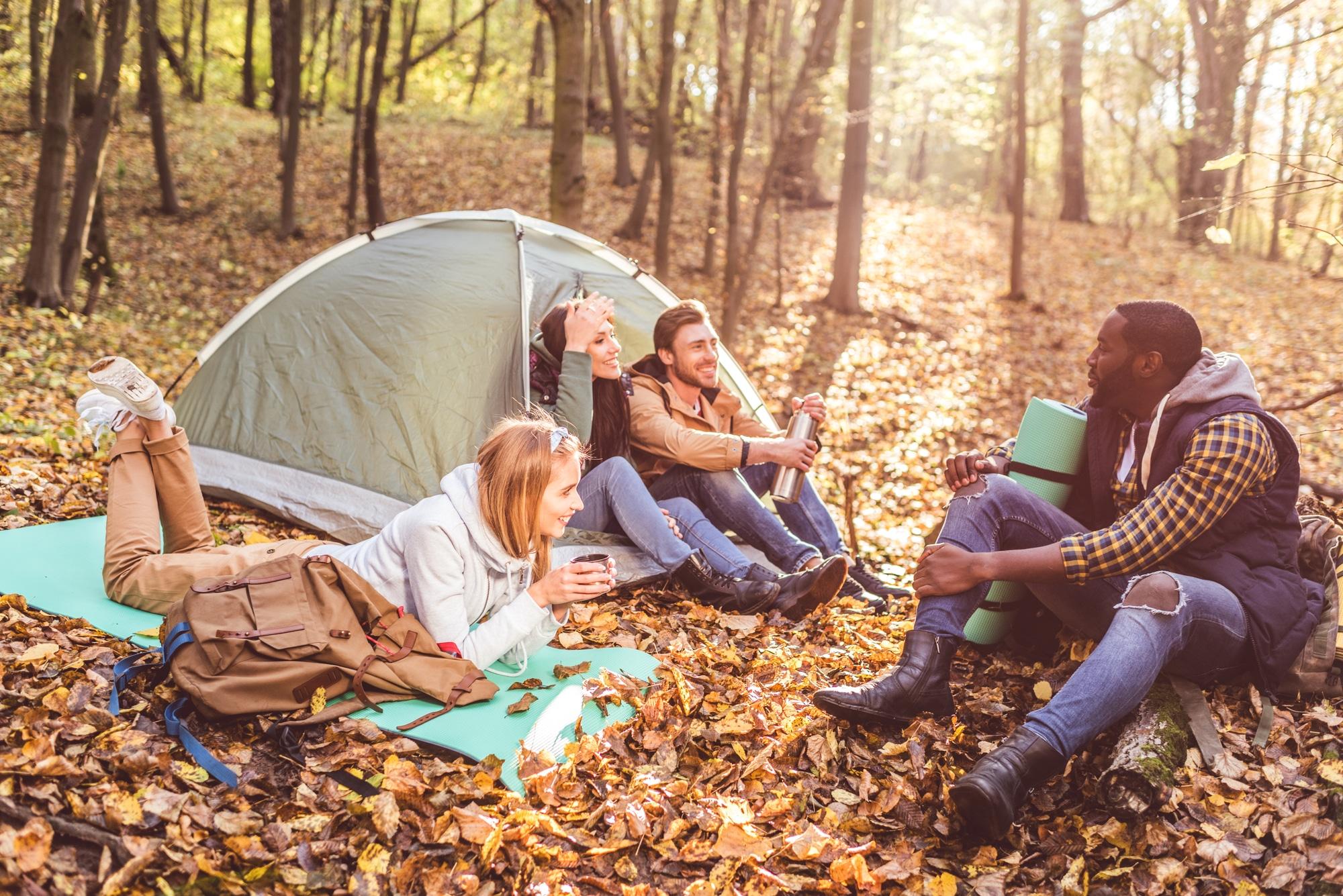 Alla scoperta delle migliori location italiane per il campeggio in autunno thumbnail
