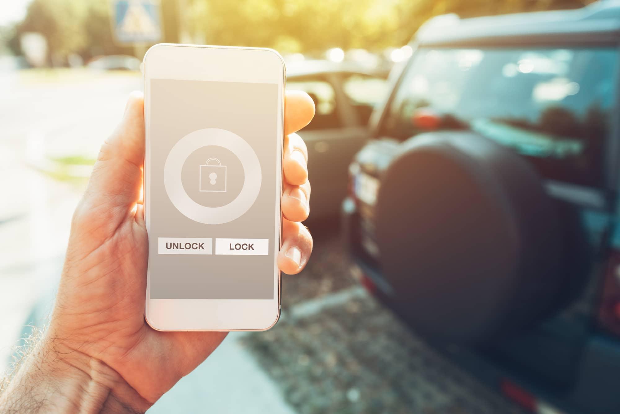Con Android 12 lo smartphone potrà aprire e chiudere l'auto thumbnail