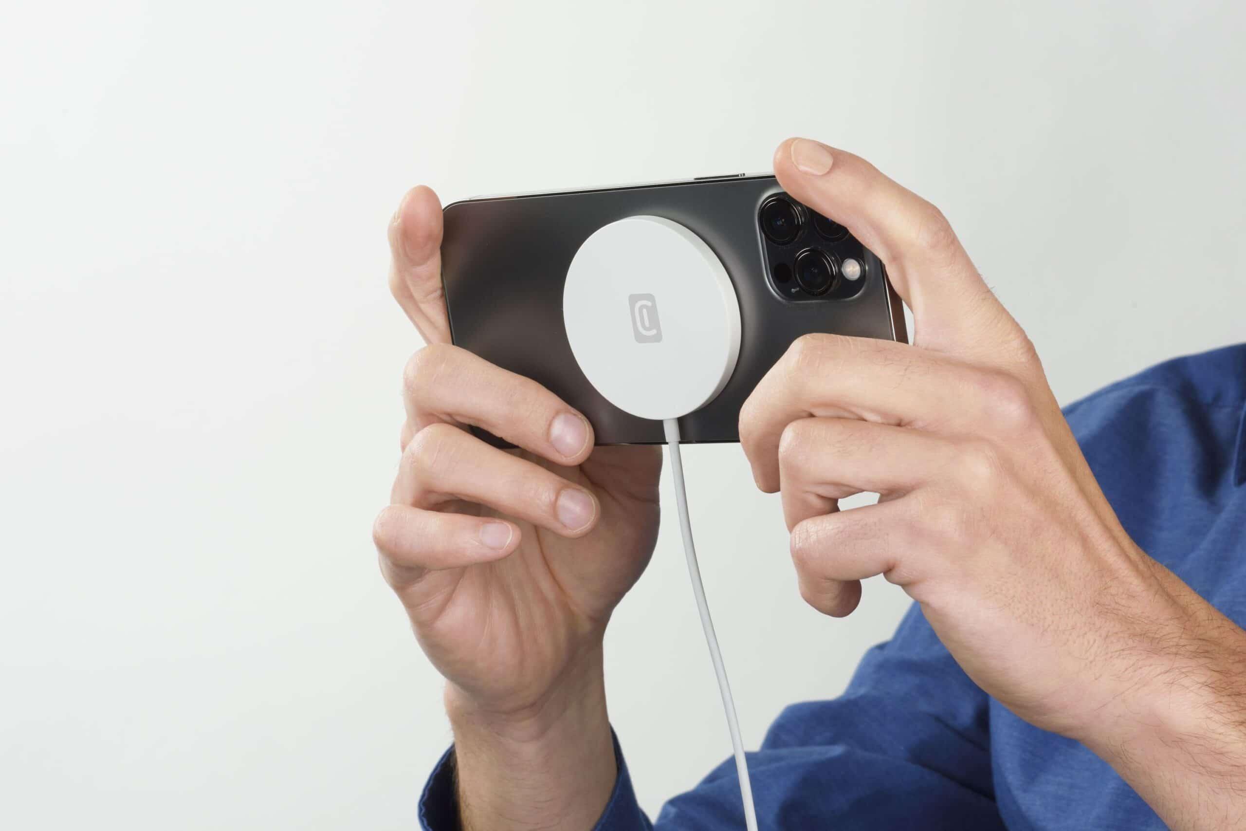 Scopriamo la nuova gamma di accessori di Cellularline compatibili con MagSafe thumbnail