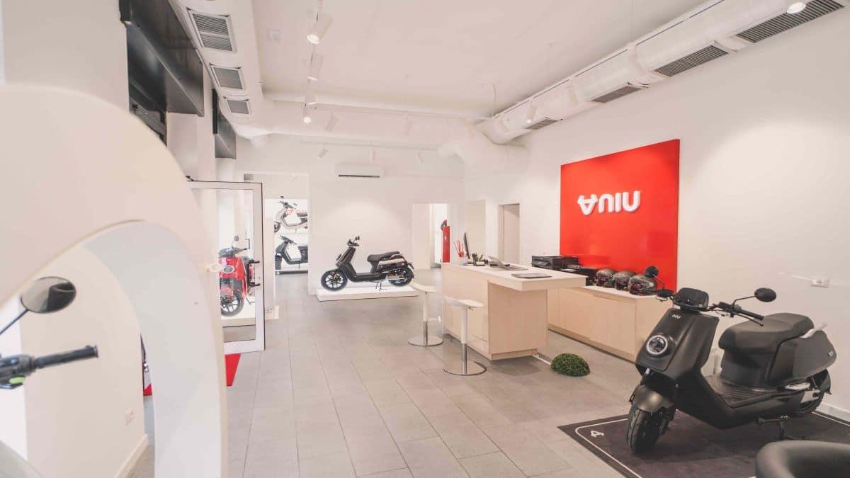 NIU apre un secondo flagship store a Milano thumbnail