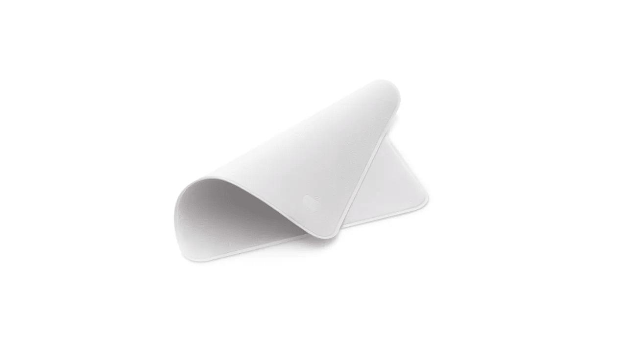 Apple: ecco il panno per pulire i device che avete sempre desiderato thumbnail