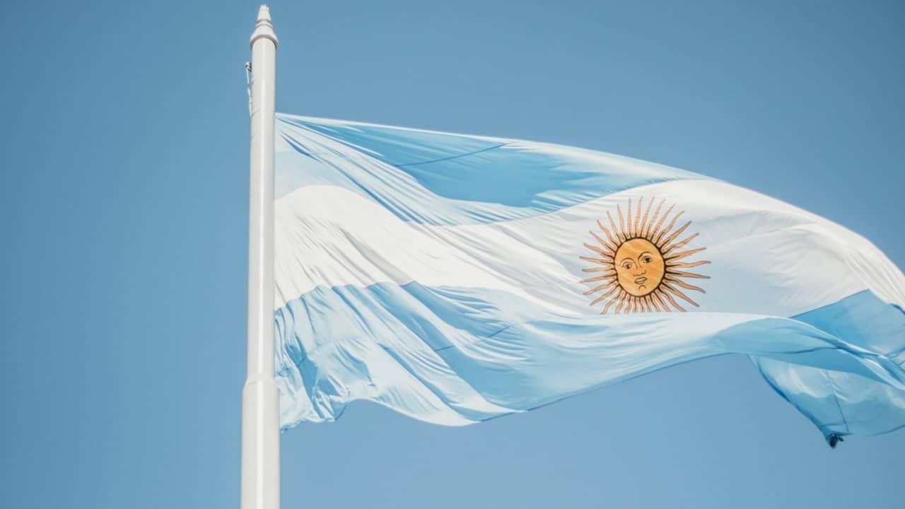 Un hacker avrebbe rubato i dati all'anagrafe Argentina thumbnail