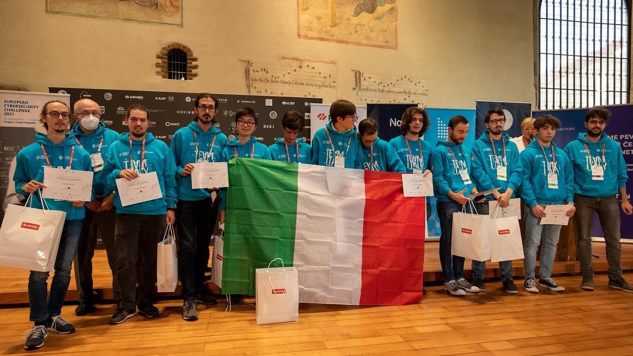 L'Italia arriva terza agli Europei degli hacker etici thumbnail