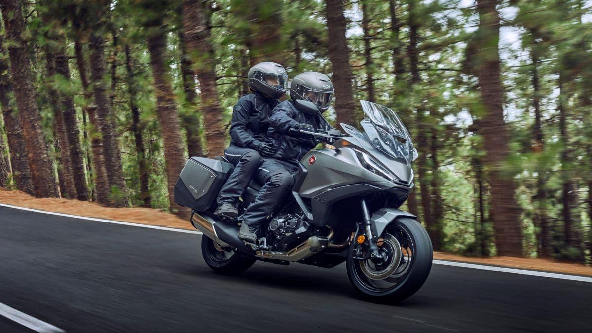 Honda torna a puntare sulle Touring con la nuova NT1100 thumbnail